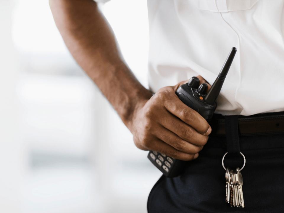 4 poderes legales que un oficial de <strong>seguridad</strong> puede usar 8