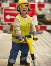 Mantenga a los niños seguros en los sitios de construcción. 14