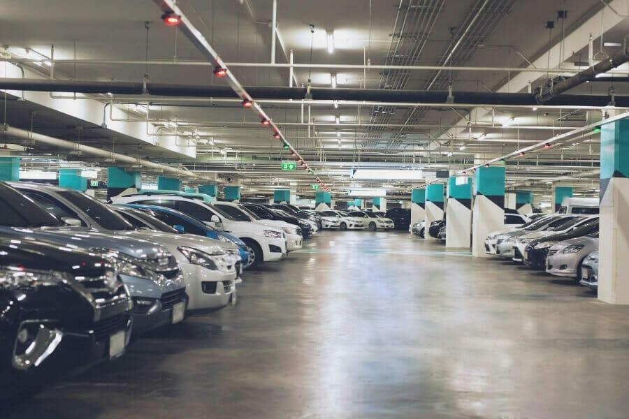 seguridad en el garaje de estacionamiento