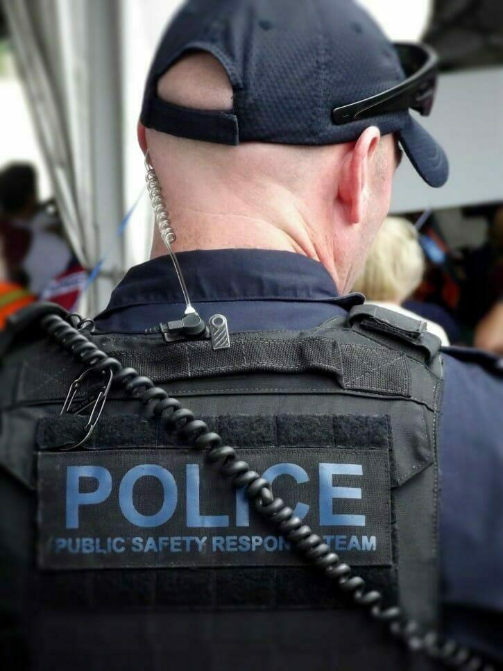 policías fuera de servicio