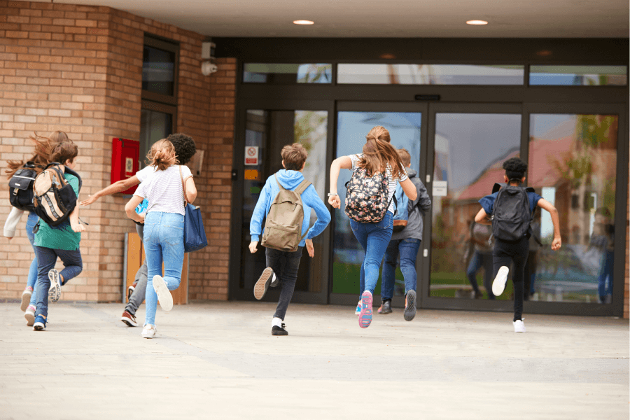mantener las escuelas seguras